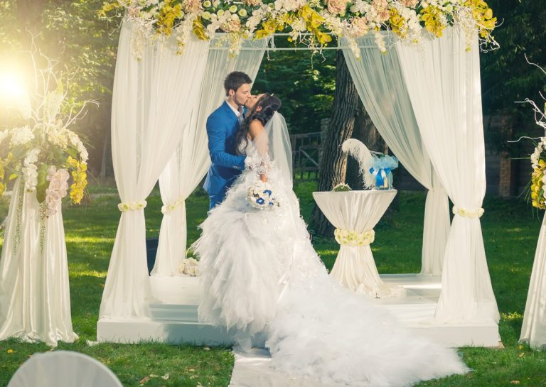 Creative Wedding Shots for Modern-day Couples